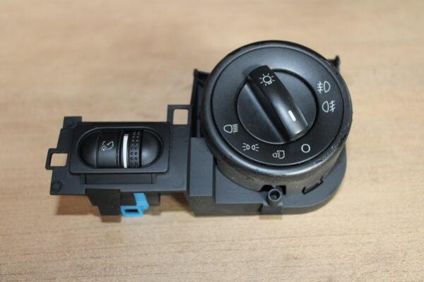 7L6.858.903 Headlight switch VW Touareg