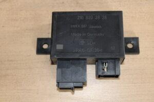210 820 28 26 Control Unit Mercedes Benz E220