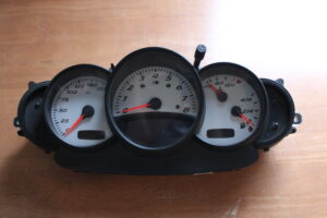 986.641.237.01 Instrument cluster VDO 110.080.039-089 miles Porsche Boxster - 986.