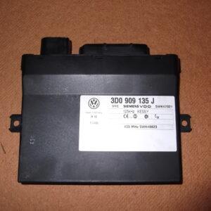 3D0 909 135 J Keyless Control Unit Porsche / VW