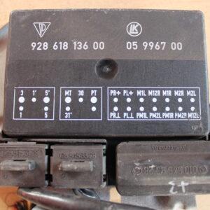 928.618.136.00 Door mirror control unit Porsche 928