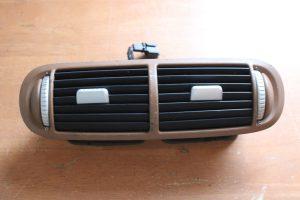 7L5.819.727.A Center Dash Air Vent Porsche Cayenne