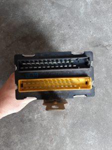 928.641.602.01 & 410.209.001.001 VDO ECU Control Unit Central Indicator Porsche 928