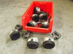 Pistons & Rods 944 112 0R Porsche